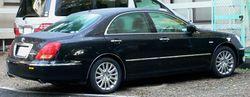 2004 Toyota Crown Majesta side & rear view